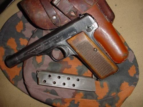 FN Browning Pistol WWII era
