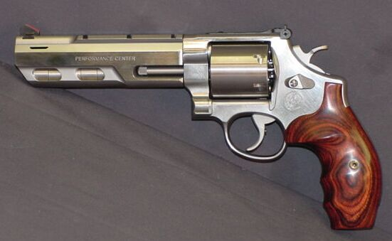 S&W 629 Lew Horton Performance center hunter