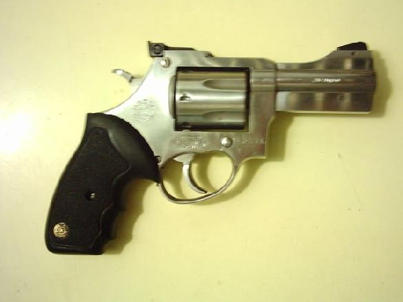 REXIO (Lanus Oeste-Buenos Aires-Argentina), 357 Magnum, 3'' barrel, single and double action revolver